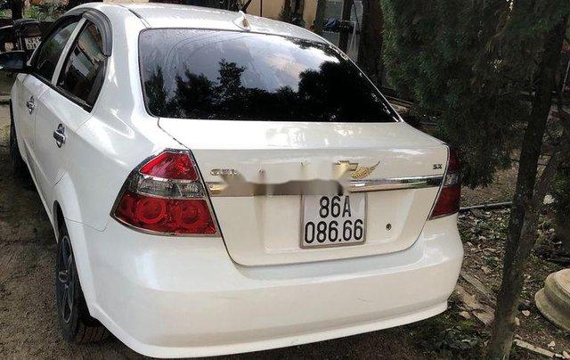 Cần bán lại xe Chevrolet Aveo năm sản xuất 2009, màu trắng, giá chỉ 160 triệu1