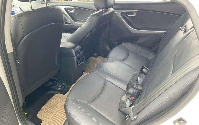 Cần bán lại xe Hyundai Elantra sản xuất 2015, nhập khẩu còn mới4