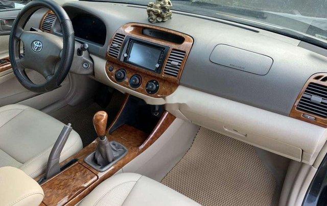 Cần bán lại xe Toyota Camry năm 2003, số sàn, giá 248tr9