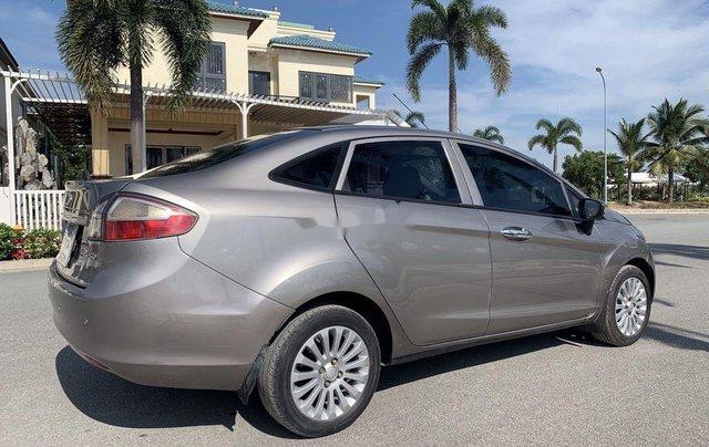 Cần bán lại xe Ford Fiesta sản xuất năm 2011, nhập khẩu còn mới2