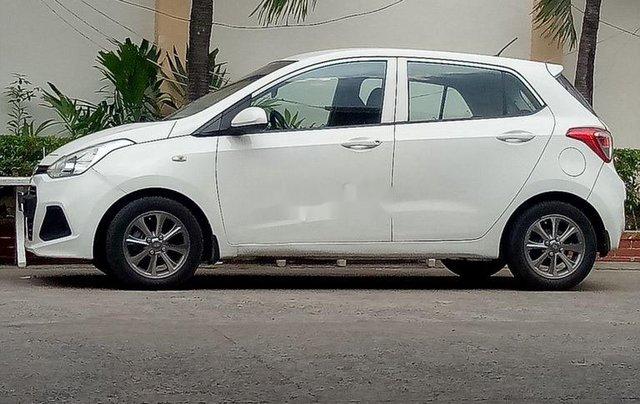 Cần bán Hyundai Grand i10 2015, màu trắng, nhập khẩu chính chủ1