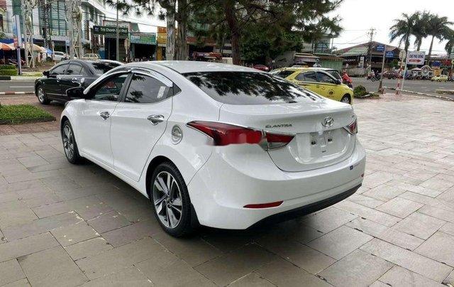 Cần bán lại xe Hyundai Elantra sản xuất 2015, nhập khẩu còn mới0