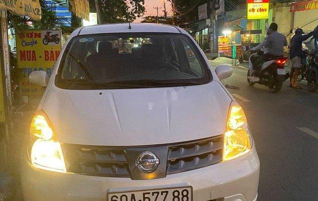 Bán ô tô Nissan Grand livina 2012, màu trắng, xe nhập số sàn, giá tốt0