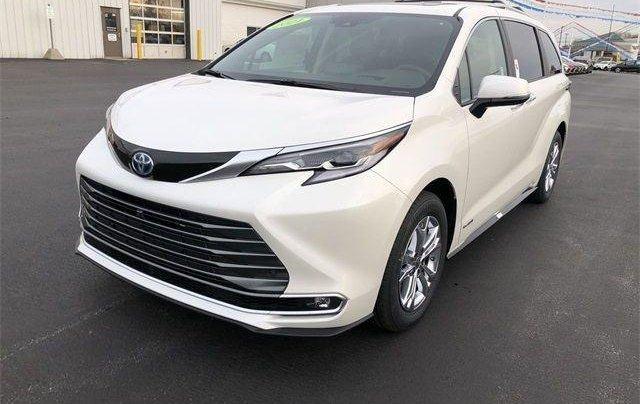 Bán Toyota Sienna năm sản xuất 2020, màu trắng0