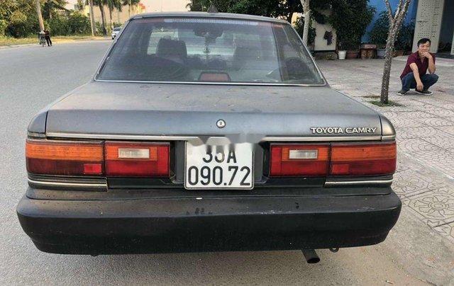 Cần bán xe Toyota Camry đời 1990, màu xám, nhập khẩu còn mới, giá chỉ 39 triệu4