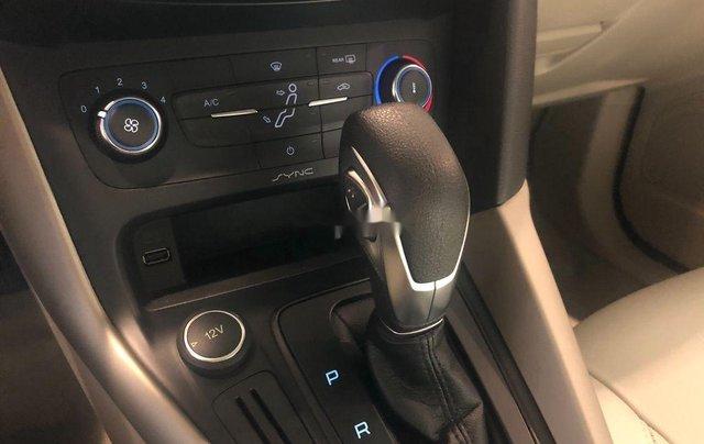 Cần bán lại xe Ford Focus năm sản xuất 2019, màu xám chính chủ, giá chỉ 573 triệu9
