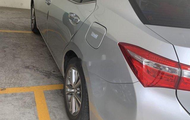 Bán Toyota Corolla Altis sản xuất 2017, nhập khẩu còn mới5