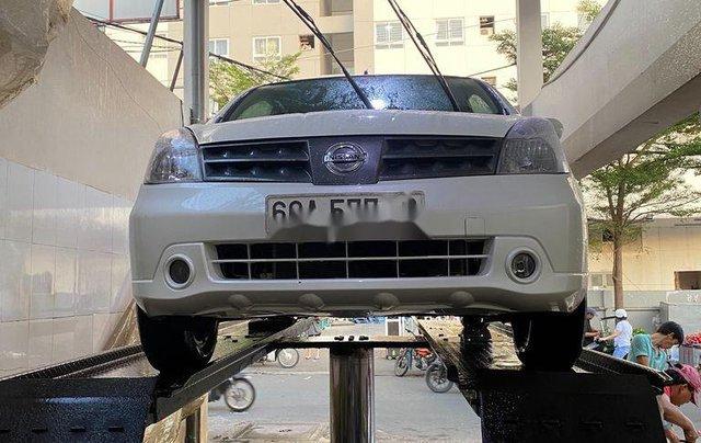 Bán ô tô Nissan Grand livina 2012, màu trắng, xe nhập số sàn, giá tốt3