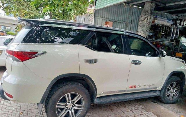 Cần bán Toyota Fortuner 2017, màu trắng, nhập khẩu nguyên chiếc còn mới2
