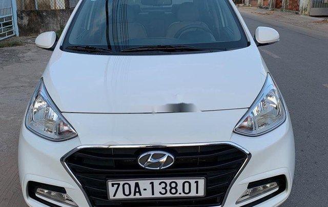 Bán Hyundai Grand i10 2017, màu trắng, nhập khẩu nguyên chiếc, giá 307tr0