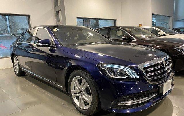 Bán xe Mercedes S450L màu xanh, nội thất nâu, đăng ký 2020, chạy 999 km, mới 99%, giá cực hợp lý0