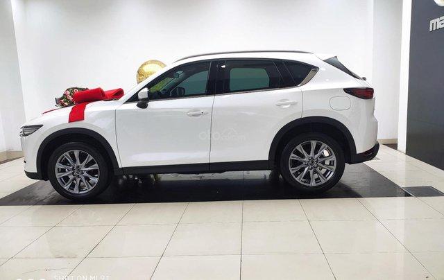 Bán xe Mazda CX 5 2020, màu trắng, tặng quà khủng0