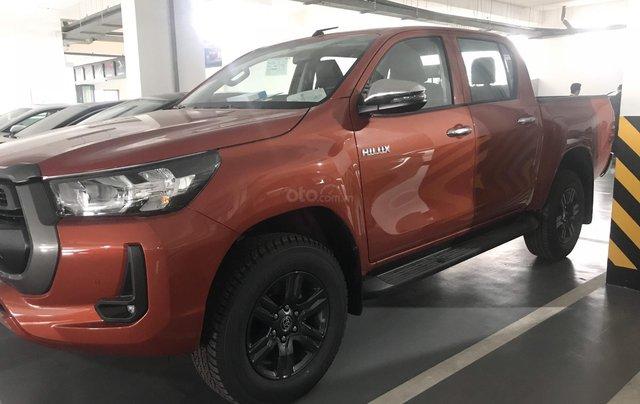 Toyota Hilux 2020 sẵn xe - giao ngay khuyến mại lớn liên hệ ngay để được báo giá tốt nhất thị trường1