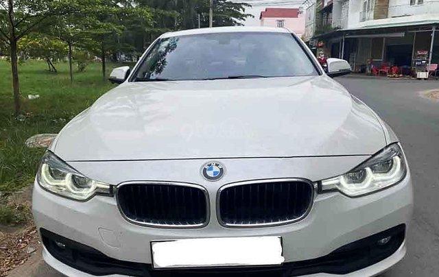 Cần bán xe BMW X3 sản xuất năm 2015, màu trắng, xe nhập0