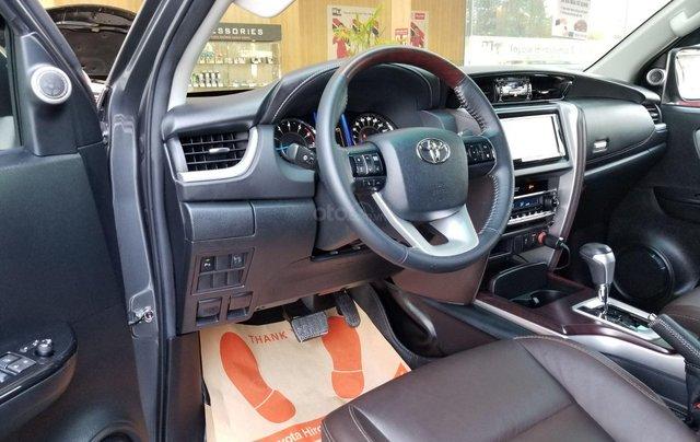 Cần bán xe Toyota Fortuner 2.7V 4x2 AT 2017 màu xám, xe gia đình, HCM - xe cũ chính hãng giá tốt5