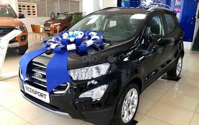Cần bán xe Ford EcoSport sản xuất 2020, màu đen, giá mềm0