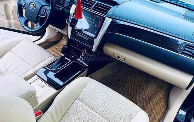Bán Toyota Camry 2.0E năm 2018, màu đen, 865 triệu1