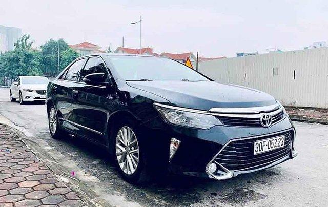 Bán Toyota Camry 2.0E năm 2018, màu đen, 865 triệu0