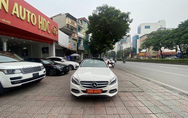 Bán xe Mec C200 sản xuất 2015 màu trắng nội thất đen biển HN đi chuẩn 30.000km bao check hãng toàn quốc0