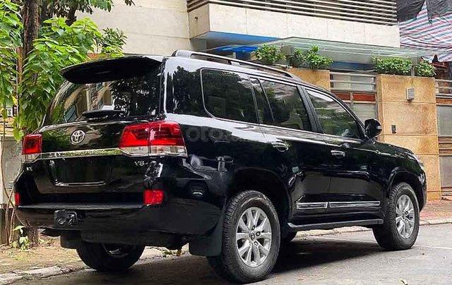Xe Toyota Land Cruiser năm sản xuất 2016, màu đen, nhập khẩu nguyên chiếc2