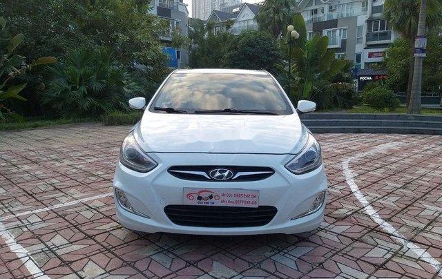 Cần bán Hyundai Accent đời 2014, màu trắng chính chủ0