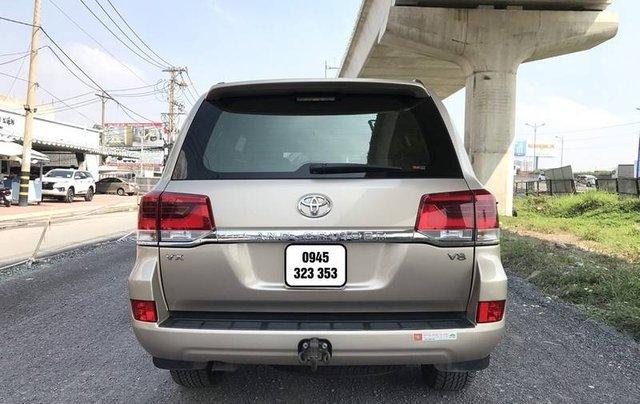 Bán Toyota Land Cruiser năm sản xuất 2015, nhập khẩu nguyên chiếc còn mới4