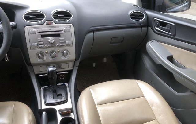 Cần bán Ford Focus 2010, màu xám chính chủ, giá chỉ 294 triệu6