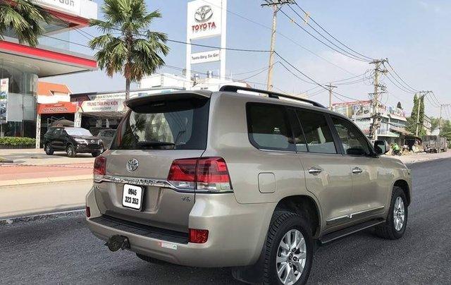 Bán Toyota Land Cruiser năm sản xuất 2015, nhập khẩu nguyên chiếc còn mới3