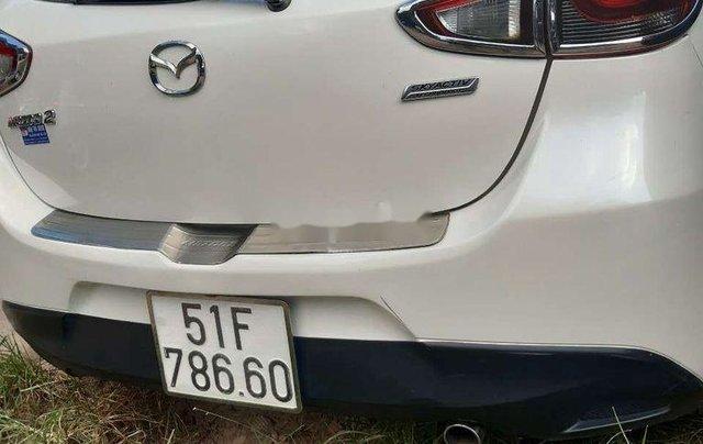 Chính chủ bán xe Mazda 2 sản xuất 2016, màu trắng1