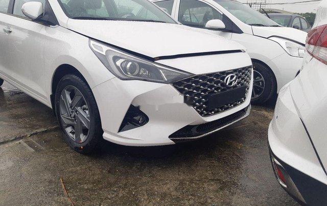 Cần bán xe Hyundai Accent 2021, màu trắng, giá tốt9