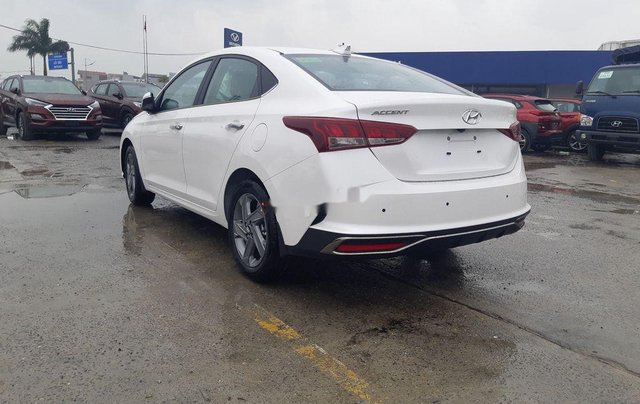 Cần bán xe Hyundai Accent 2021, màu trắng, giá tốt6