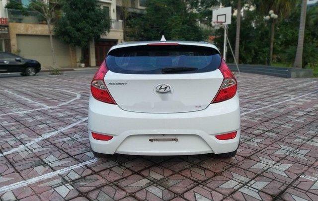 Cần bán Hyundai Accent đời 2014, màu trắng chính chủ1