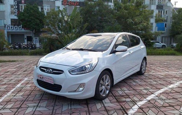 Cần bán Hyundai Accent đời 2014, màu trắng chính chủ2