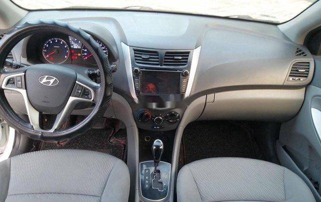 Cần bán Hyundai Accent đời 2014, màu trắng chính chủ6
