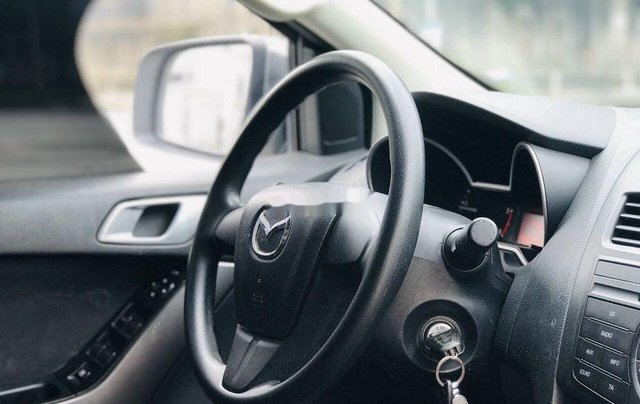 Bán Mazda BT 50 năm sản xuất 2017 còn mới, giá chỉ 445 triệu2