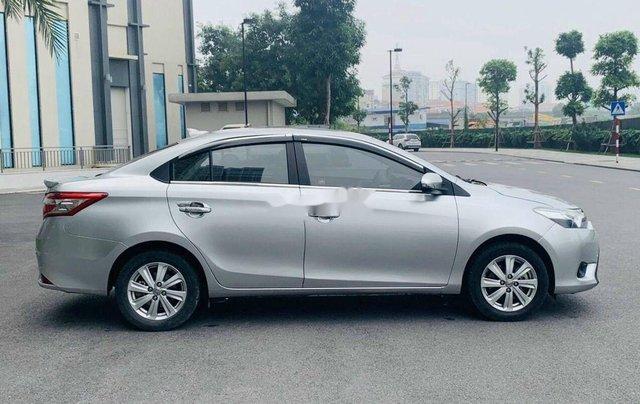 Cần bán gấp Toyota Vios đời 2017, màu bạc số tự động0