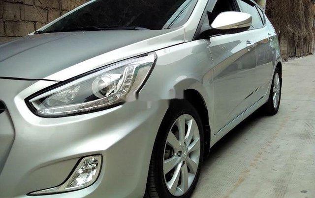 Cần bán Hyundai Accent đời 2014, màu bạc, xe nhập chính chủ2