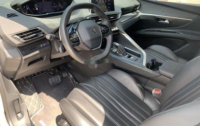 Bán ô tô Peugeot 5008 đời 2019, màu trắng, biển SG4