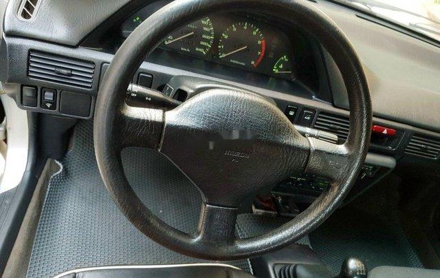 Cần bán gấp Mazda 323 năm sản xuất 1996, xe nhập, giá tốt1