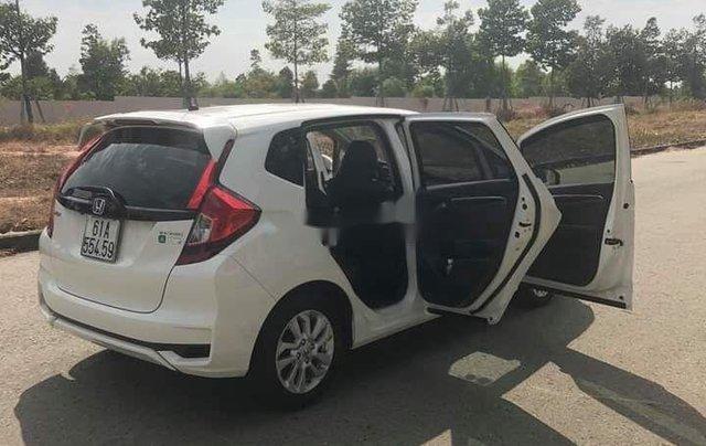 Bán ô tô Honda Jazz sản xuất 2018, màu trắng, nhập khẩu còn mới, giá chỉ 470 triệu1