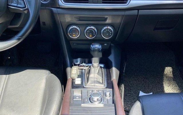 Cần bán Mazda 3 sản xuất 2018, màu trắng, 585tr10