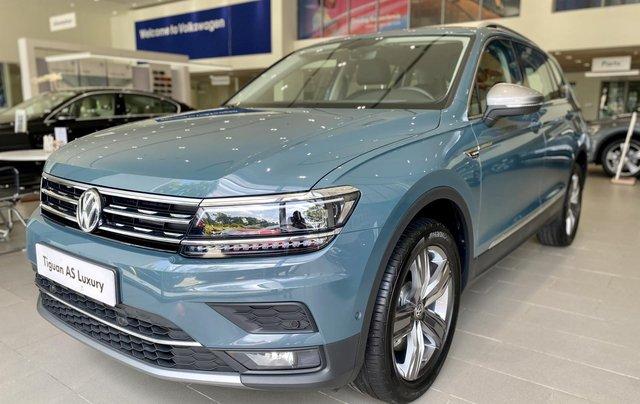Tiguan Luxury màu xanh Petro khuyến mãi trước bạ 120 triệu + nhiều quà tặng phụ kiện chính hãng. Giao ngay3