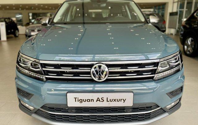 Tiguan Luxury màu xanh Petro khuyến mãi trước bạ 120 triệu + nhiều quà tặng phụ kiện chính hãng. Giao ngay4