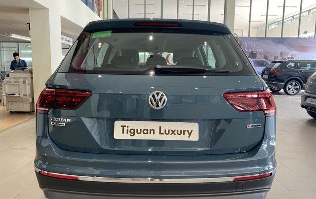 Tiguan Luxury màu xanh Petro khuyến mãi trước bạ 120 triệu + nhiều quà tặng phụ kiện chính hãng. Giao ngay6
