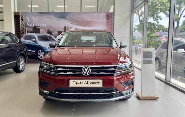 Tiguan Luxury màu đỏ đô hợp cho khách hàng mệnh hỏa thổ - Khuyến mãi khủng cuối năm xe nhập khẩu số lượng có hạn0