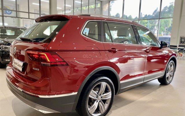 Tiguan Luxury màu đỏ đô hợp cho khách hàng mệnh hỏa thổ - Khuyến mãi khủng cuối năm xe nhập khẩu số lượng có hạn2