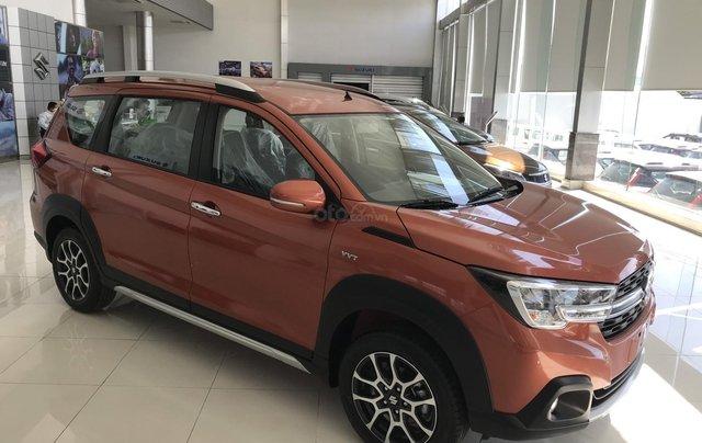 Suzuki Quận 12 giảm giá xe XL7 màu cam lên đến 20 triệu LH ngay, lãi suất 0%2