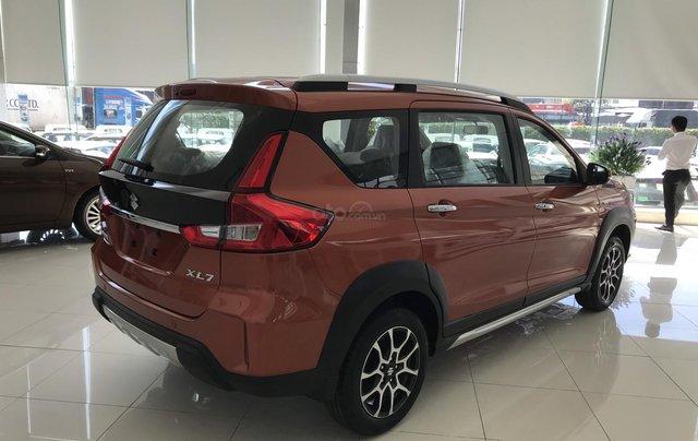Suzuki Quận 12 giảm giá xe XL7 màu cam lên đến 20 triệu LH ngay, lãi suất 0%5