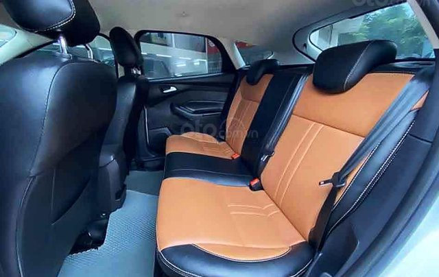 Bán Ford Focus năm 2018, màu trắng còn mới3