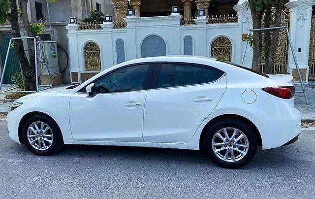 Bán xe Mazda 3 sản xuất năm 2017, màu trắng còn mới0